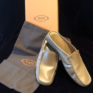 TODS slip on gold tone leather driving shoe